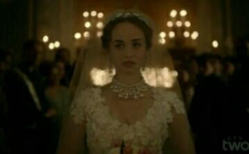 Claude's wedding dress 😍😍😍😍