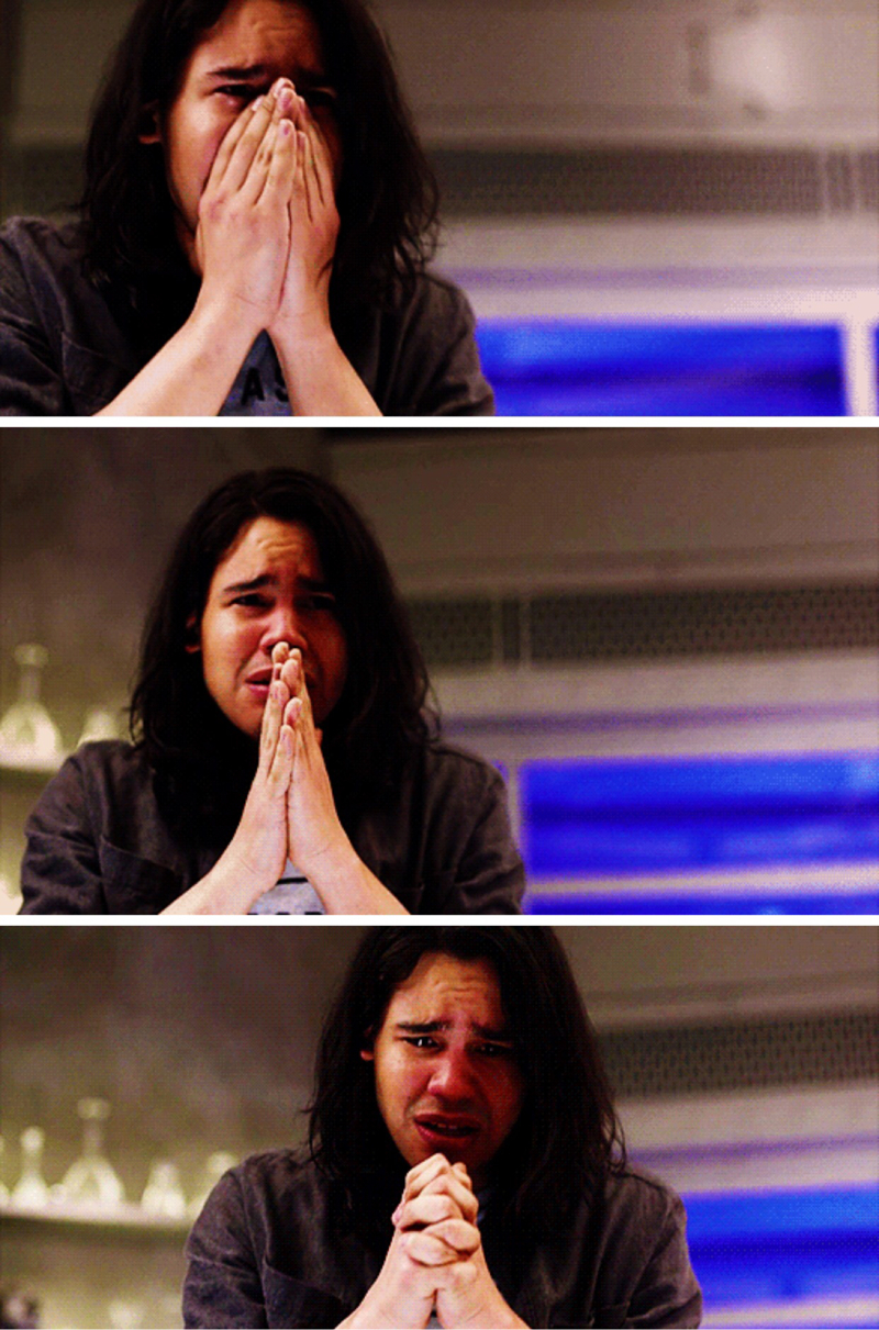 ok but can we appreciate Cisco's reaction when Caitlin died? 😭😭😭