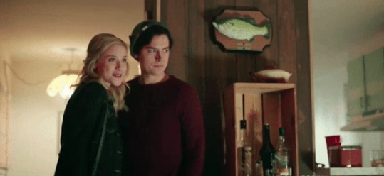 Bughead being cute this entire episode made my day
