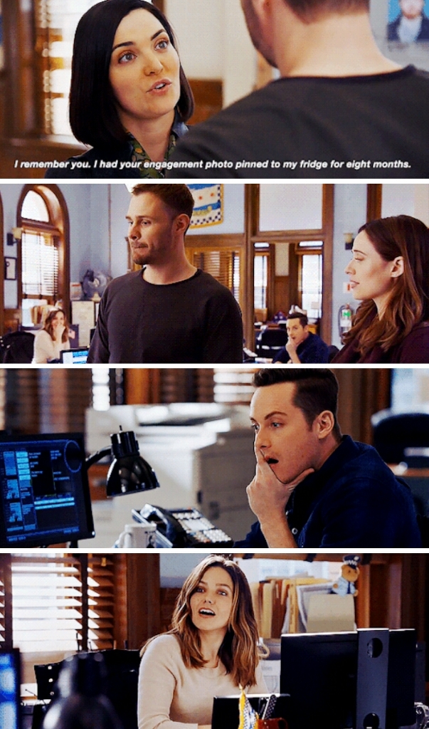 I don't know what was the funniest, the awkward situation between Adam and Kims sister or the two behind who are enjoying the drama way too much.   By the way Hank is a real cinnamon bun, that was really sweet what he did for that little girl and her father 💕