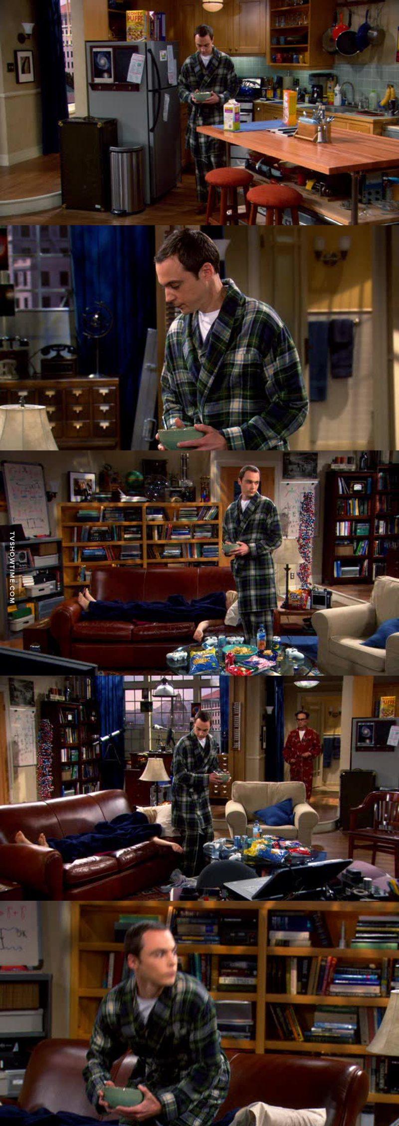 Sheldon e le sue abitudini del sabato mattina 😂😂