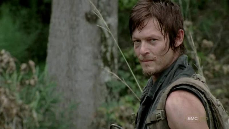 """Daryl is back, yeah !! He's the best ! When I saw Rick against two walkers, I knew Daryl's will come back at this moment ;) it had to be The """"Governor"""", I hate him, I want him dead !"""
