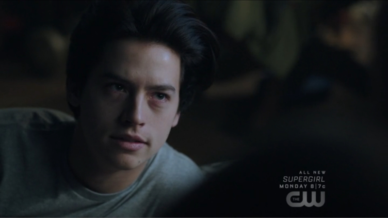 Can we all take a moment to talk about Jughead's hair ?