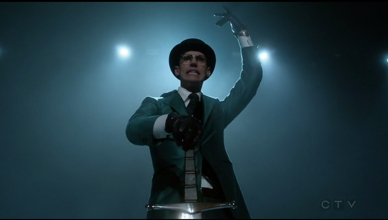 Ed/Riddler really has a flair for the dramatic and I LOVE IT!!