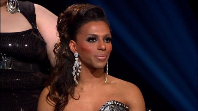 Shangela passou por duas temporadas e ainda não aprendeu a se maquiar..