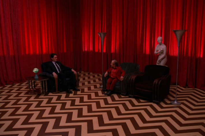 OH MY GOD. WOW. I have no words. This was the GODDAMN best finale I have ever seen. I didn't want the black lodge scene to ever end. Thank god I don't have to wait 25 years to watch the new episodes.
