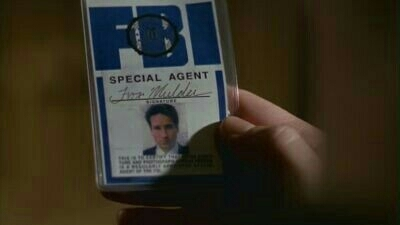 Last episode ended implying aliens - and the first thing we see on the following episode is an undercover Agent Mulder. Coincidence? I think not! 👽👽