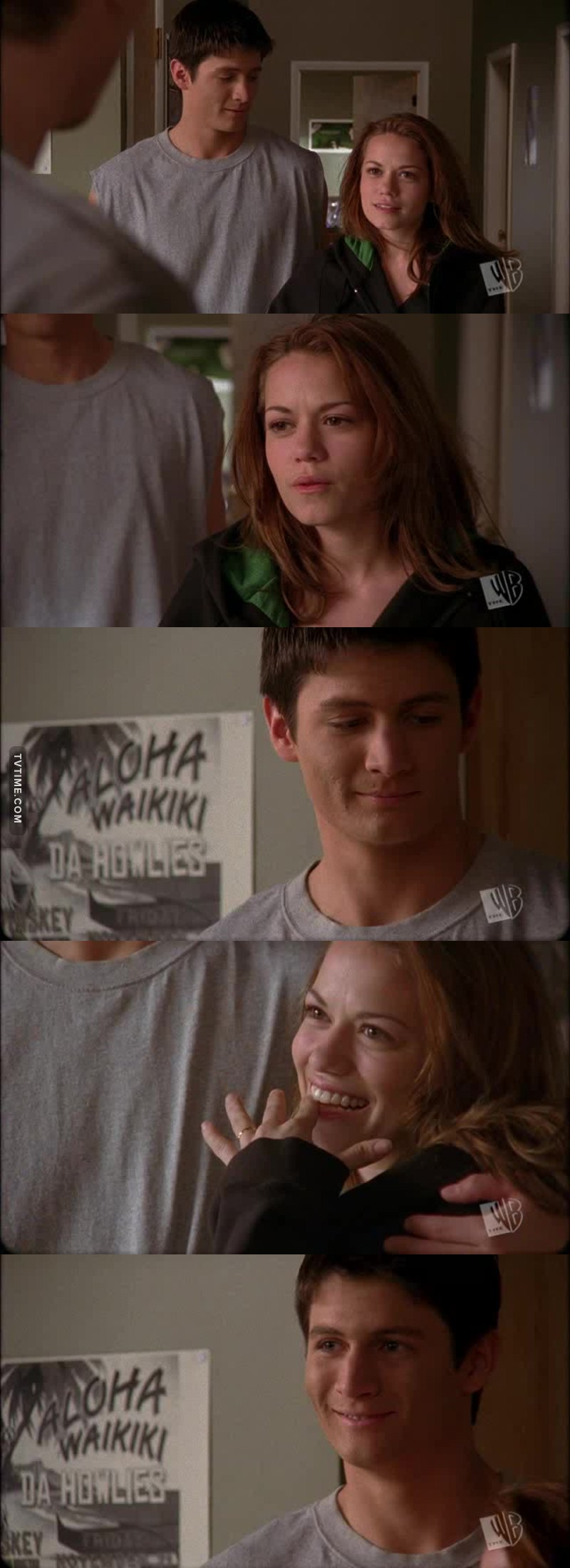 The way he looks at her 😍😍 #Naley