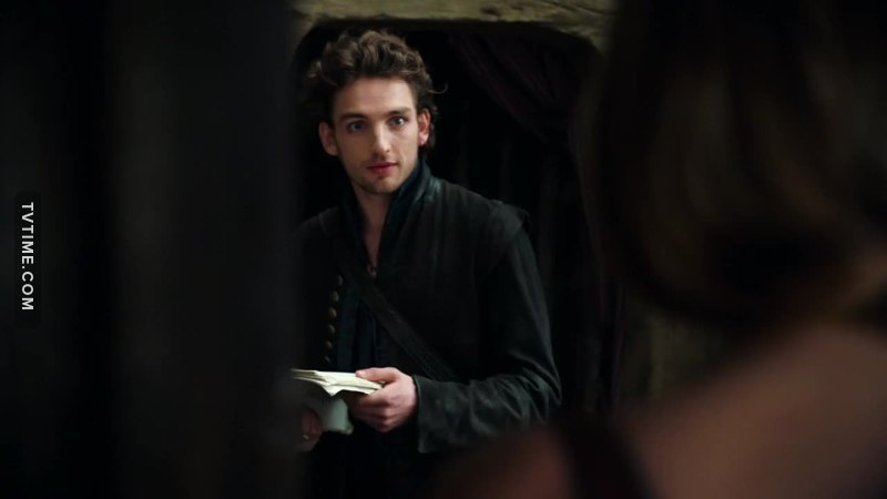 He is the most handsome Shakespeare I have ever seen!!!!😍💕