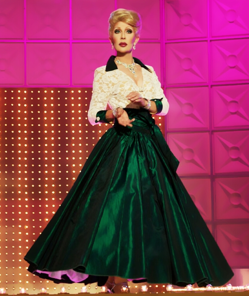 I looove Sharon, BUT, I do think that Chad should have won that challenge. I mean, look at this inauguration look! FLAWLESS