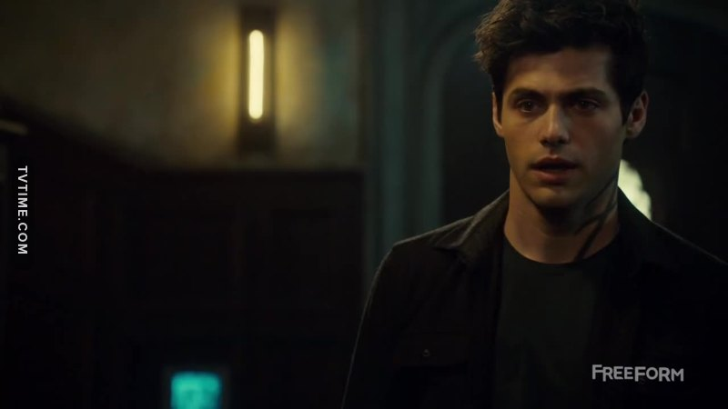 Alec cries, I cry.  MY BABY IS SUFFERING SOMEBODY HUGS HIM NOW (Yes, Magnus. I'm talking to you)