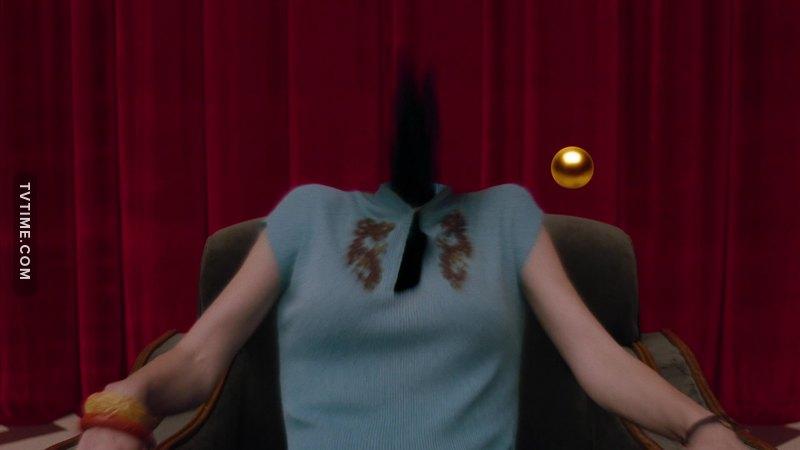 literally me watching twin peaks: