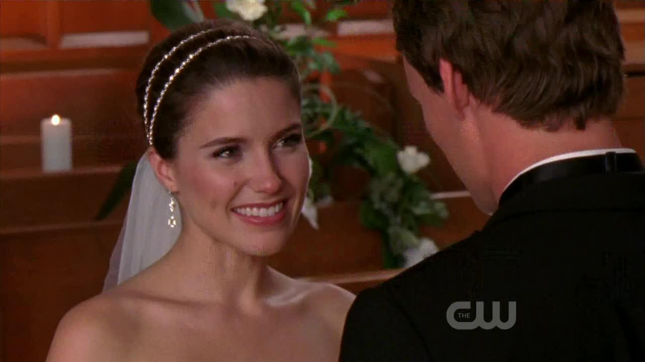 This episode is amazing... Beautiful wedding Brooke&Julian are perfect together ??