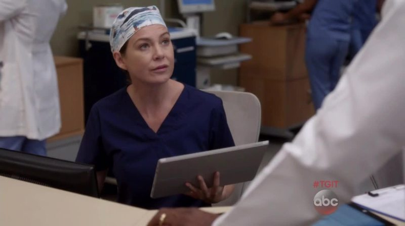 This moment when you see Mer with Dereck's cap 😭❤