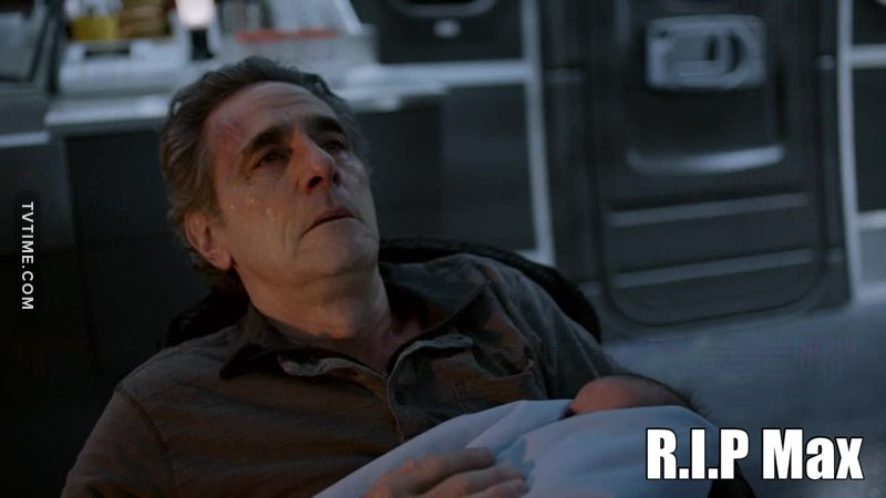 Zoo does not stop to surprise. Each episode that passes is a new insanity that appears. Clementine did the miraculous healing and saved everyone on the plane. Jackson was annoyed at Jamie because she made Mr. Duncan try to kill Abigail, locked Jamie in the cell, and then phoned his girlfriend asking her to stop Abigail in any way she could. Decide yourself Jackson !!! It was wrong for Jamie to want to kill Abigail, and now is it right for his girlfriend to kill her? Everyone is up against Jamie, thinking it's her fault, and meanwhile, Sam, who thinks they're the villains, is walking free on the plane. If all that were not enough, we were still forced to listen to that horrible version of Wonderwall (originally recorded by OASIS). I get stiff for MAX's death, but at least he will not be there for worse things, if the series can give us more ...