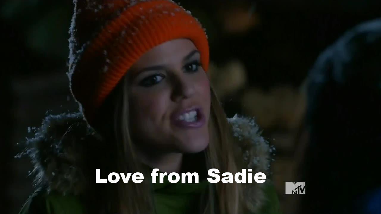 Probablement le meilleur épisode d'Awkward de toute cette moitié saison 4 ! Il est drôle, sans complexe, apporte de vrais informations et on retrouve l'ambiance déjantée de la série. Sadie est miraculeuse, c'est elle qui sauve tout l'épisode (avec son bonnet orange), et son charme est impressionnant…  Jenna est aussi ennuyeuse que d'habitude et, cela énerve vraiment lorsque l'on sait que les 3/4 de la saison ont été consacrés à sa relation avec Luke qui finit bâclée !!  Vivement la suite, et comme d'hab', le dernier épisode d'Awkward me donne envie de regarder la moitié de saison qui suit (heureusement que c'est que qui accroche le spectateur !)