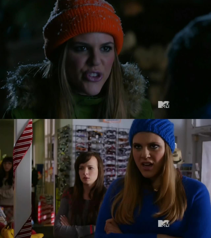Oh mon dieu Sadie je t'aime!!!! Elle est juste parfaite! Le pire c'est que j'ai vu des interviews de l'actrice et ses expressions, ses blagues, ses histoires ressemblent assez au caractère de Sadie! Surtout son humour! Je l'adore!!! ????????????????????????
