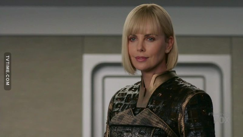 The special guests are guetting better and better, Charlize Theron! *-*