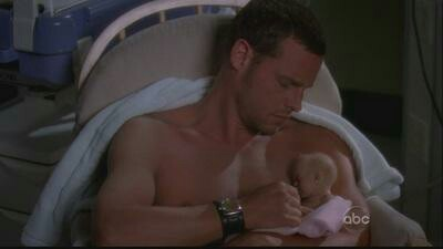 Anyone else who remember that when Alex hold this baby? Great episode.. Finally we saw more of him!!