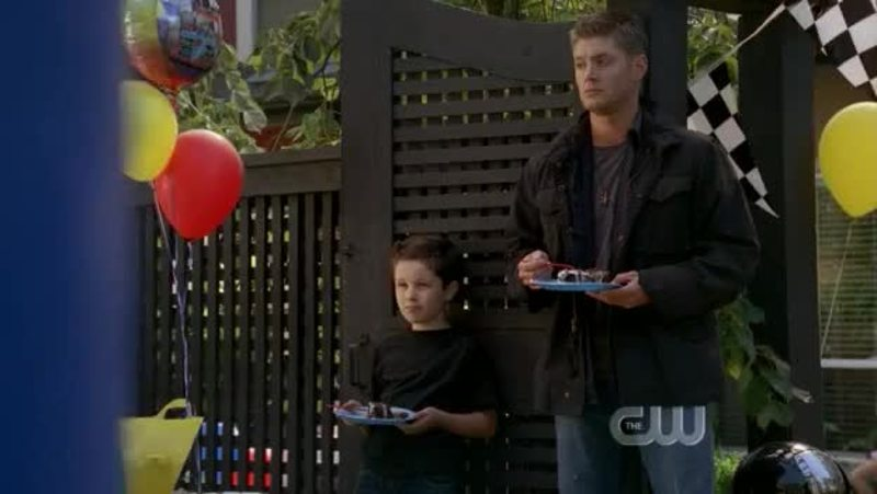 Mini Dean 😂 Dean would be a great father even if he keeps saying he doesn't like child. I wished Ben was his son