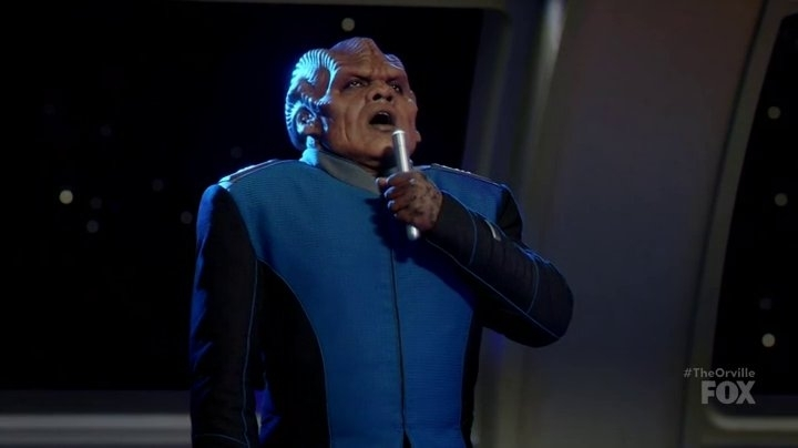 Who Else wanted to hear Bortus sing?!! #Titanic My Heart Will Go On by @celinedion   Bet he has the voice of an Angel! #TheOrville https://t.co/ICZKbAff23