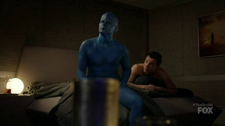 Three cheers to this week's #TheOrville@theorville @RobLowe  as a blue alien sex magnet & @SethMacFarlane as an open hearted captain🏳️‍🌈👬 #bisexual #LoveIsLove