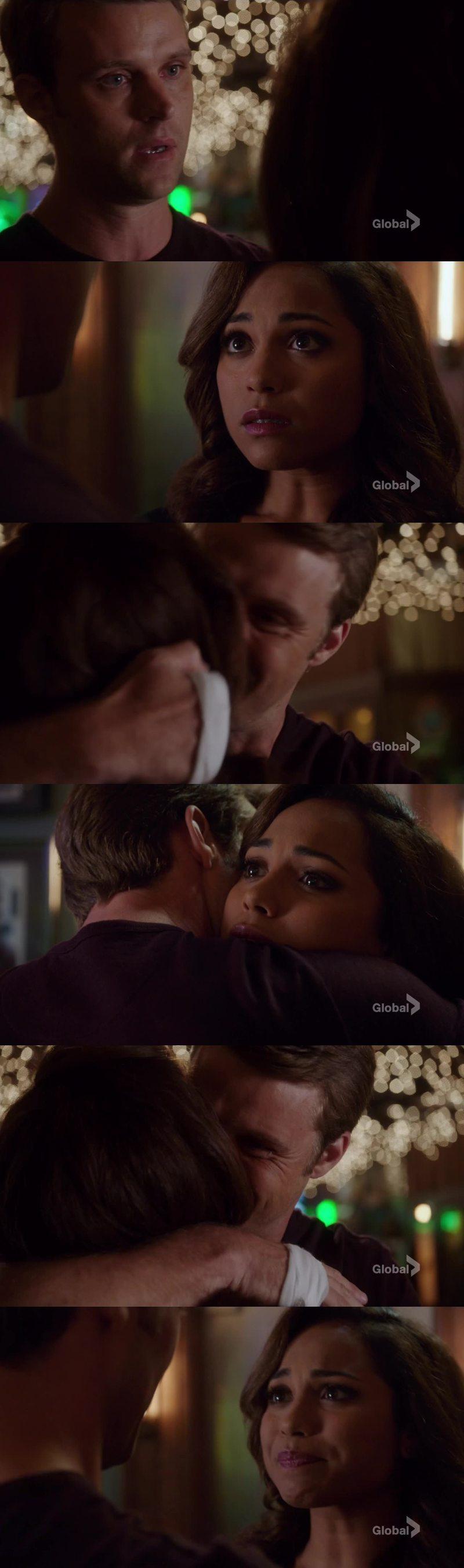 """""""Stare con te, è la cosa che da a tutto questo un senso. È forse l'unica cosa che lo da. Non voglio che tu rimanga fuori dalla mia vita, mai più.""""  """"Sono incinta."""" 💖💖"""