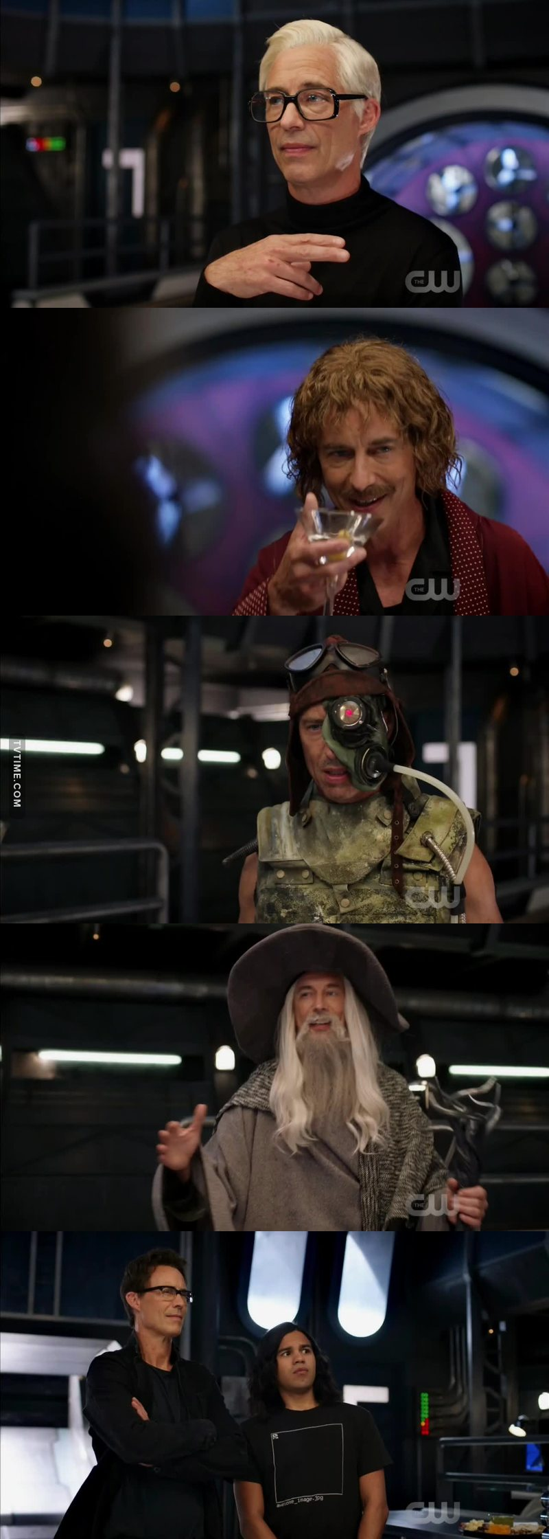 the whole episode was good but CAN WE TALK ABOUT THIS SCENE? I just love all the versions of Harrison Wells. Tom Cavanagh is so talented!!! ❤😂