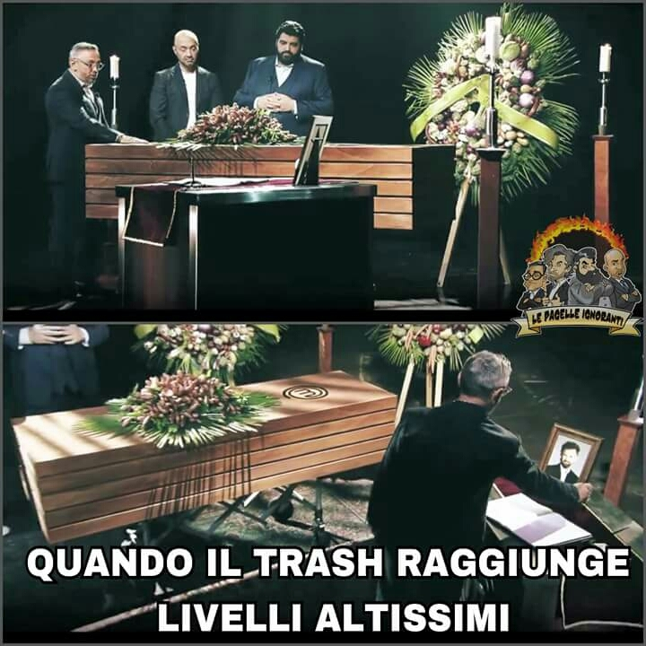 Uno dei momenti più alti della televisione italiana 😂