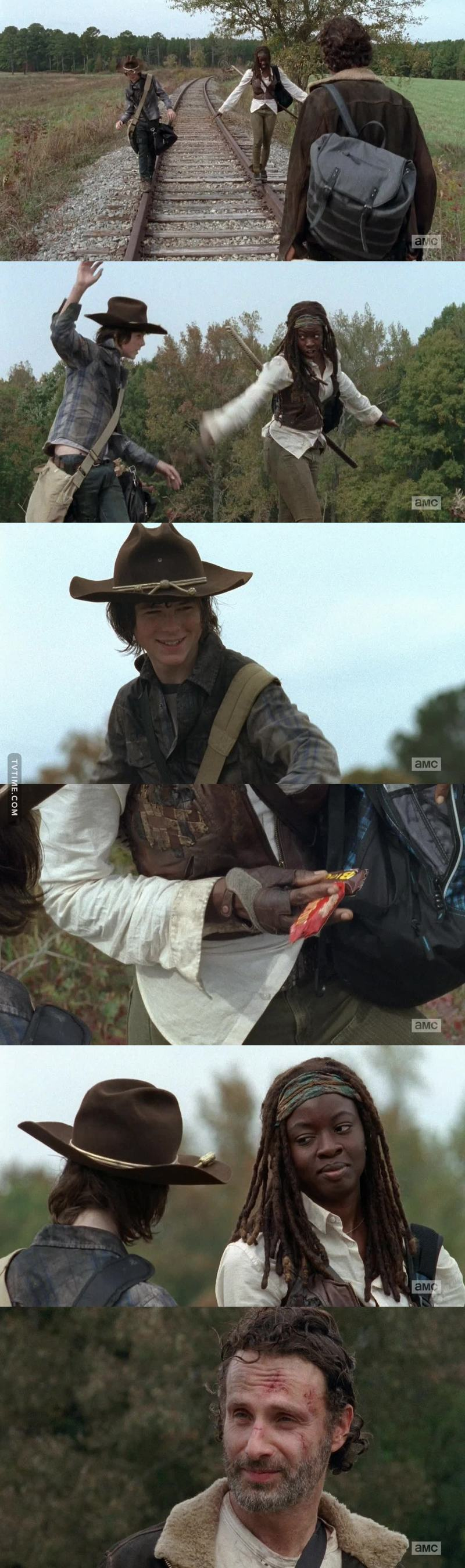 Actually love Carl and michonne's relationship 😂