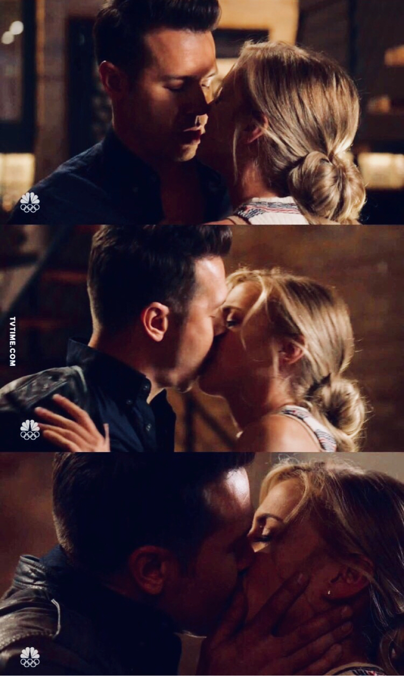THEY ARE SO HOT! 🔥🔥🔥 Thank God my ship is BACK TO LIFE! 😍😍❤️❤️ #Brettonio ❤️