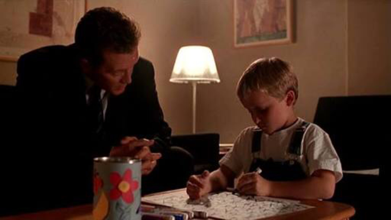 While many of these themes have been explored by the series before and better, this was a good episode. Although I don't understand why the writers felt the need to give Doggett a similar backstory to Mulder (the family member I lost and I need to know the truth), it's as if Chris Carter feels like the show can't work without a Mulder and Scully rather then giving Doggett a chance to be his own character and bring his own dynamic into the mix, because Robert Patrick is a damn good actor.