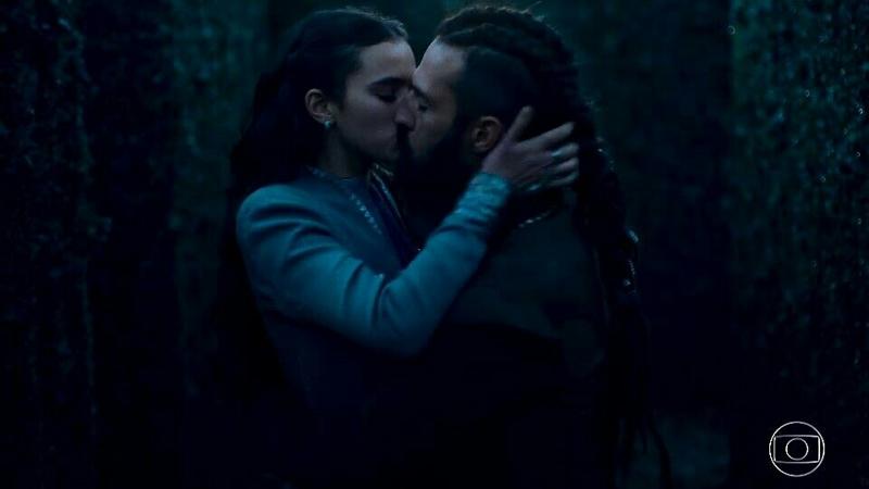 Que beijão, que química desses dois ❤