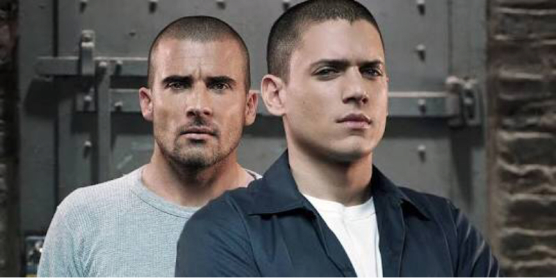 patience Barry, we know someone who can help you out. #PrisonBreak #LeonardSnart #MickRory #CaptainCold #HeatWave 😆😂