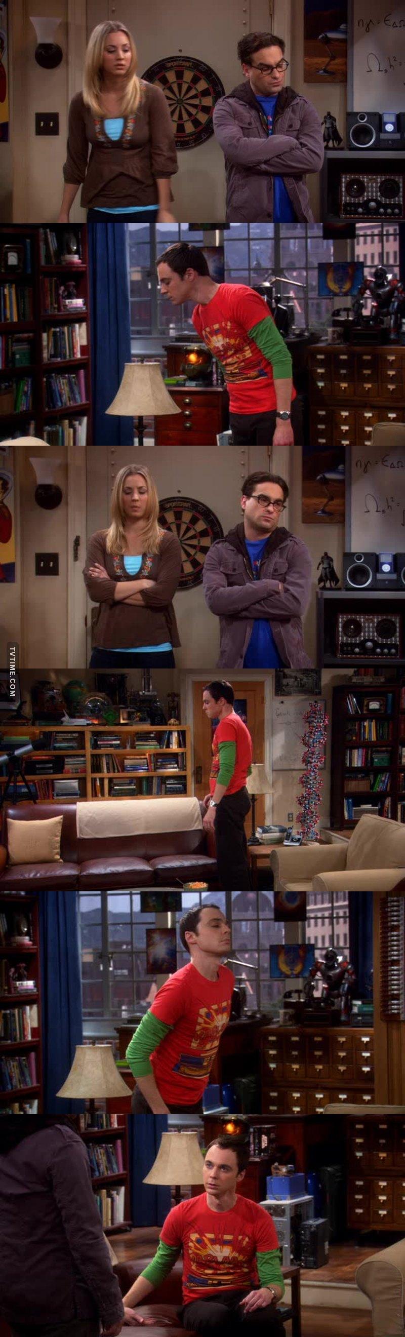 """""""Metti le chiappe sul divano!"""" 😂😂😂😂"""