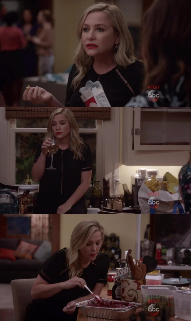 Arizona was either drinking or eating during the entire episode AHAHA