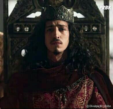 """""""É sempre bom estar perto do povo. Para o povo, claro! Não para mim!"""" - Rei Rodolfo de Montemor 😂😂😂"""
