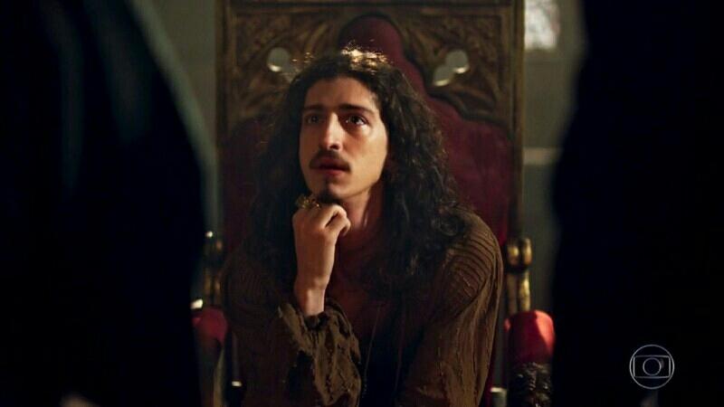 """Rodolfo: """"O casamento não deixa de ser um fenômeno."""" Petrônio: """"Tal como a chegada da privamera?"""" Rodolfo: """"Olha, eu diria que está mais para um dilúvio!"""" 😂😂😂"""