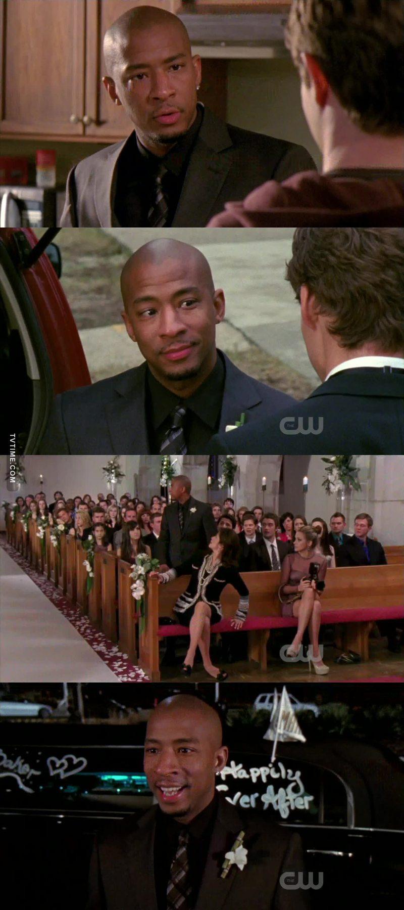 Je crois qu'il a été traumatisé par les mariages 😂😆