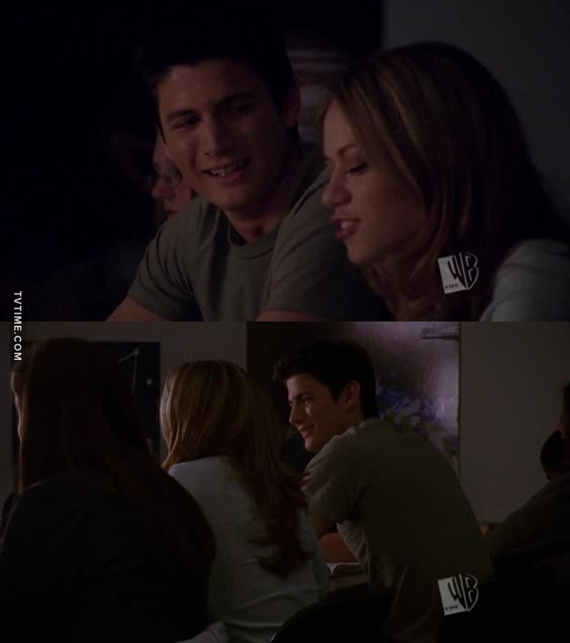 Be in a relationship with someone that looks ate you the way Nathan looks at Haley 😍