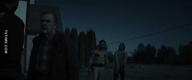 La cosa che mi fa più incazzare di questa serie è quando girano scene con un filtro scuro per farti credere sia notte.