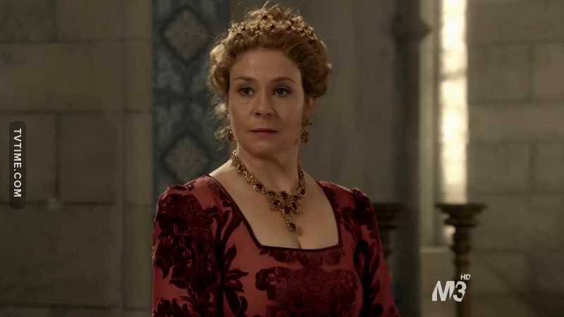 Il mio scopo nella vita è essere extra come Caterina che prepara la festa per la sua morte, è mitica questa donna