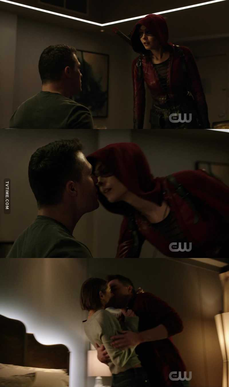 ROY IS BACK ROY IS BACK ROY AND THEA ARE BACK TOGETHER IM SO HAPPYYYYYYY