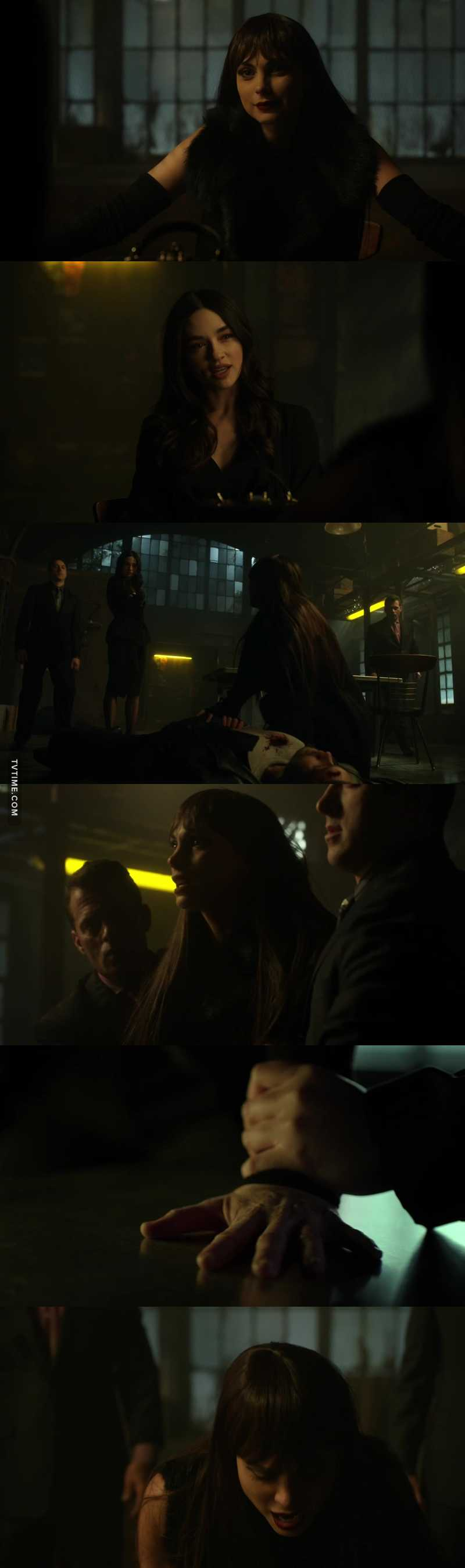 I just couldn't watch this scene. Poor Lee ! :/