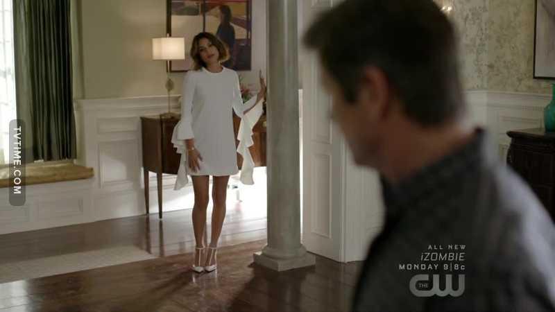 That dress 😻😻😻