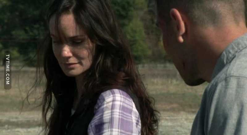Am I the only one who hate Lori more than Shane? Yeah, Shane was an asshole, but everybody knew. Lori is playing games, she manipulates Rick, she manipulated Shane and started a war between these best friends. Damn it, bitch.