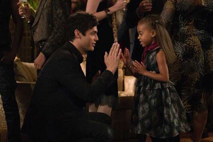 This episode was really good. It was very interesting but at the same time soo funny, I laughed so much with Alec and Magnus at Lorenzo's house but also with the strange double date. Then the scene between Alec and Madzie was so sweet, I can see Malec be like an old married couple with kids