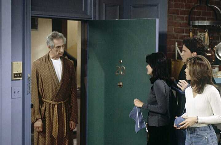 Anybody remember Stovka as Mr. Heckles in Friends?