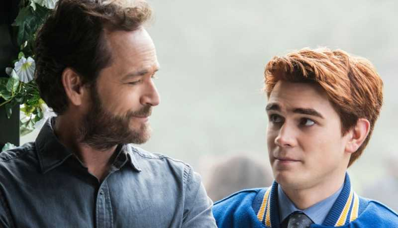 I'm glad that Archie finally did something and stood up for his father. I hope that the old Archie from the first season is back