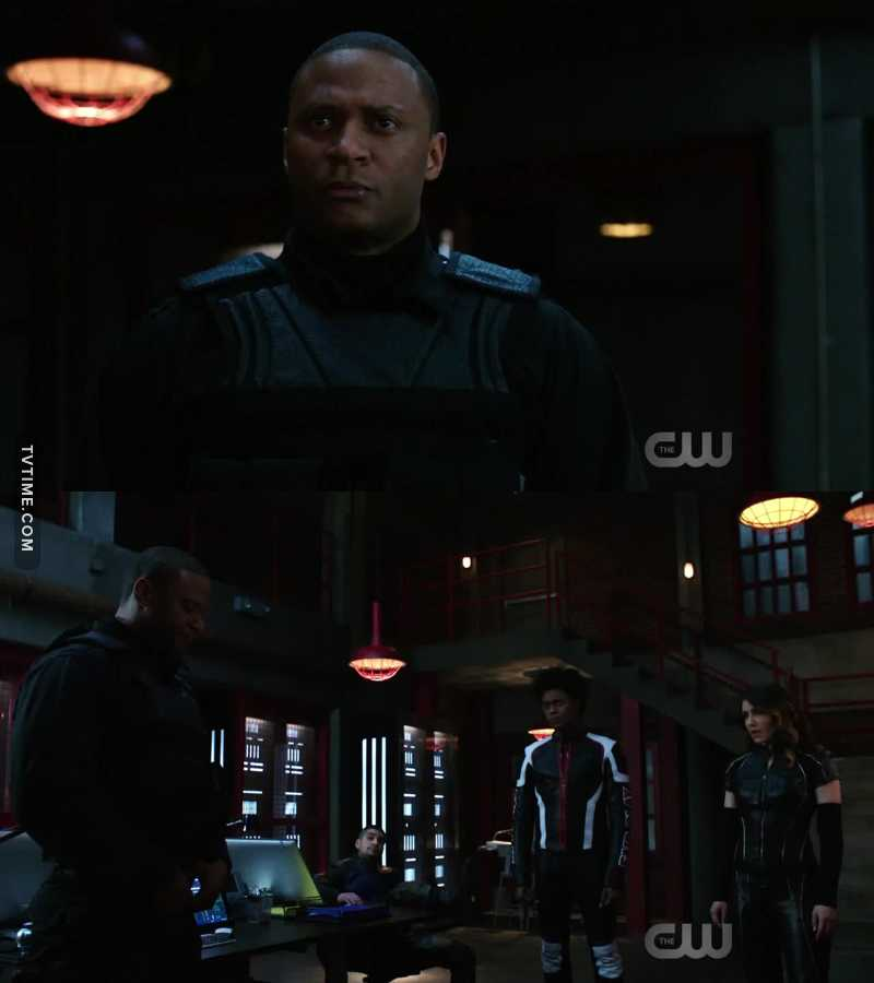 "So John said ""I'm sorry"" and everybody ok. But when Oliver said I'm sorry nobody want to forgive him. Fucking idiots."